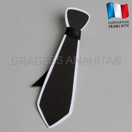 Etiquette à dragées en forme de cravatte