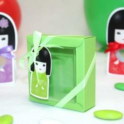 Boite à dragées kokeshi verte