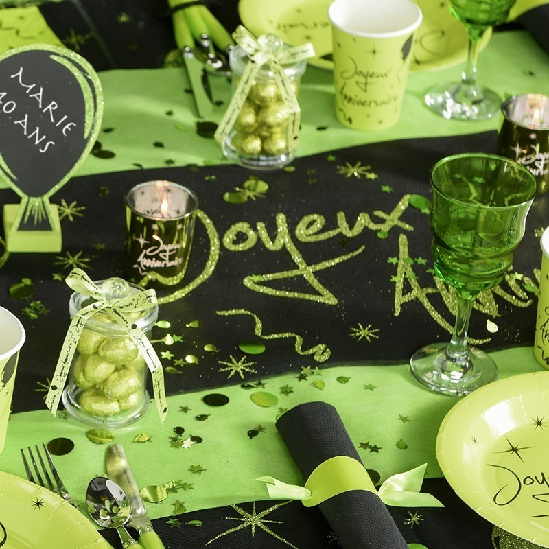 chemin de table anniversaire vert drag es anahita. Black Bedroom Furniture Sets. Home Design Ideas