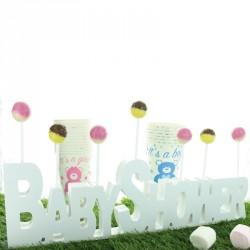 Baby shower en bois blanc très décoratif. Produit à finition impeccable.