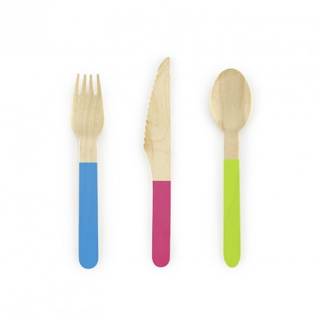 Ménagère en bois mulitcolore 18 pièces pour illuminer de couleurs pétillantes votre table de réception.