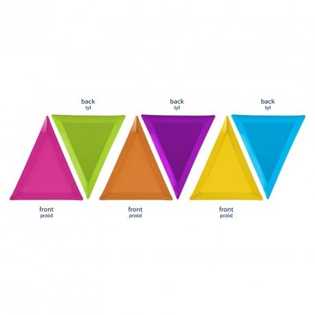 6 assiettes carton triangle mix de couleur pour une décoration de table d'anniversaire originale.