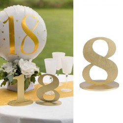 Marque table chiffre 8 Or pour donner une touche d'élégance à chaque table.
