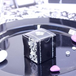 Cubes à dragées Arabesque Noirs et Blancs pour un mariqge thème baroque chic