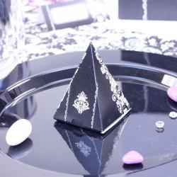 10 Pyramides à dragées Arabesque Noires et Blanches