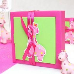 Grande boite à dragées carré girafe rose